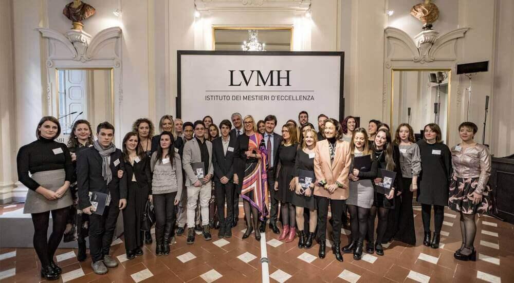 В 2014 году LVMH создала во Франции программу профессионального обучения Institut des Métiers d'Excellence (IME).
