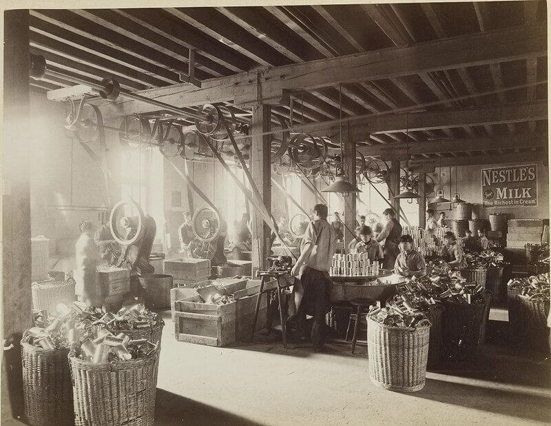 Производственный цех завода Нестле - 1890 г.
