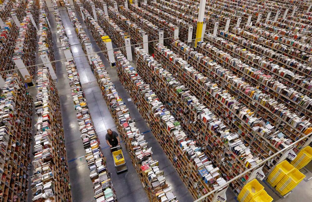 Склад компании Amazon.com