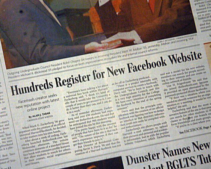 """Заголовок в газете """"Сотни регистраций в новом вебсайте Faceebook"""""""