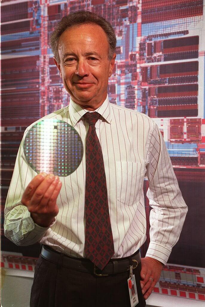 Эндрю Гроув. Генеральный директор или председатель Intel с 1987 по 2005 год.