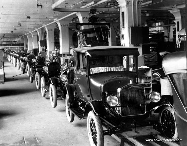 Сборочный конвейер на заводе Форд, 1926 год