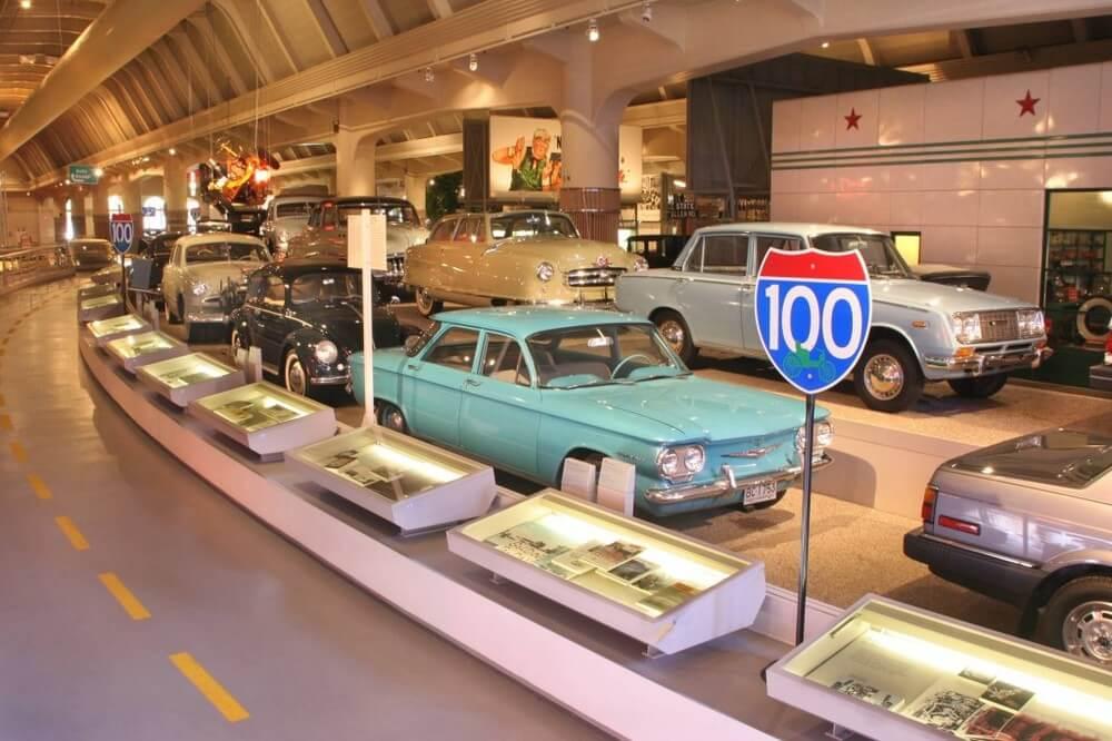 Музей Генри Форда (Henry Ford Museum)