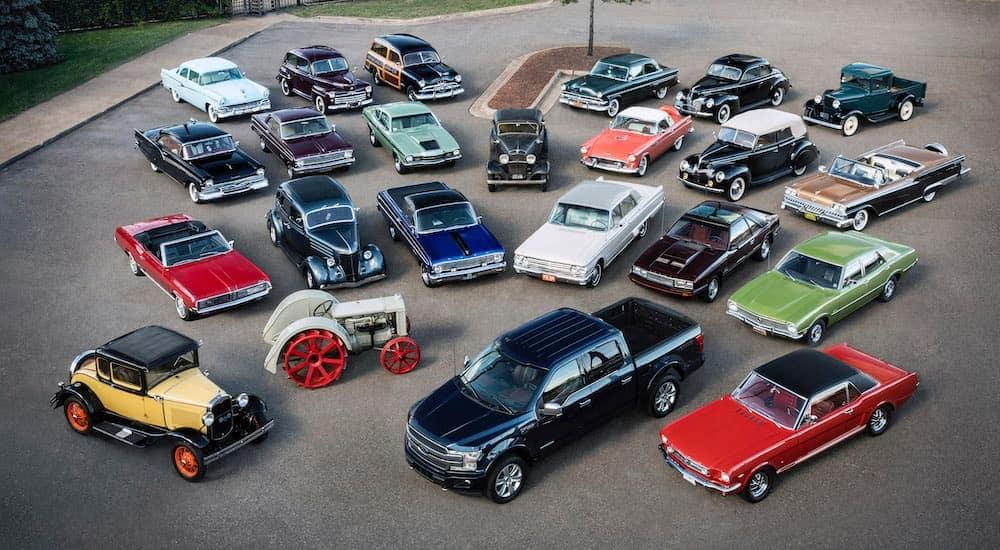 Некоторые модели автомобилей (и даже трактор), которые выпускала компания Форд в 20-21 веке