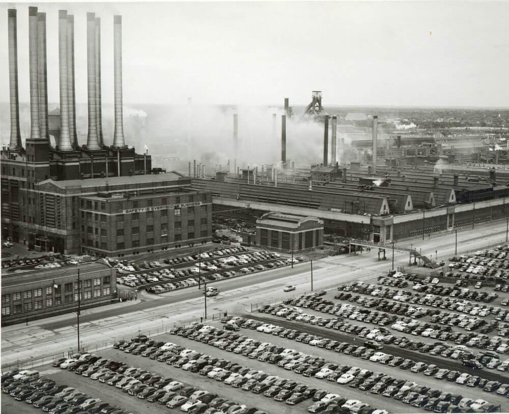 Это изображение первого завода Ford.