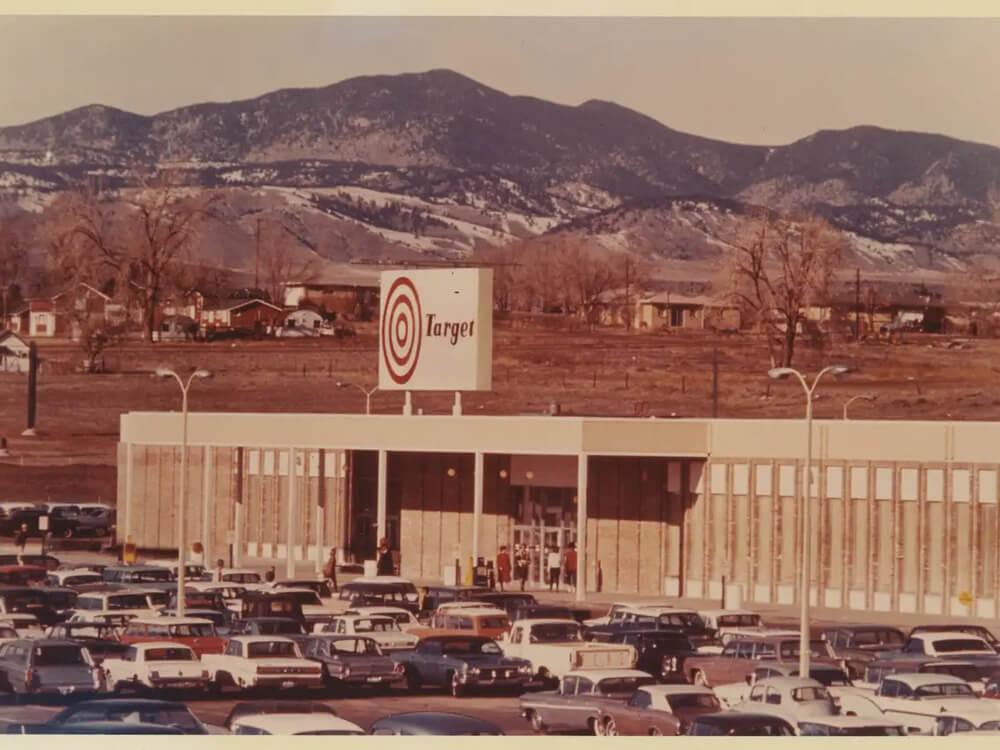 Как выглядит Target, когда розничный гигант впервые открылся