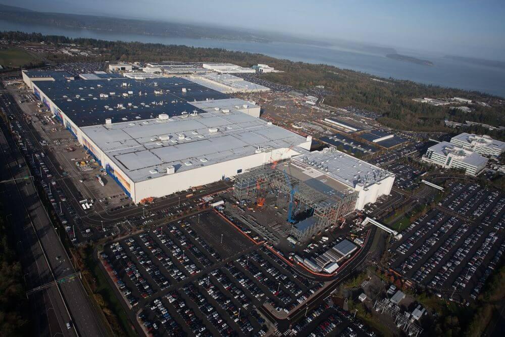 Завод Boeing Everett Factory в Эверетте, штат Вашингтон, - это сборочный цех самолетов, принадлежащий компании Boeing.