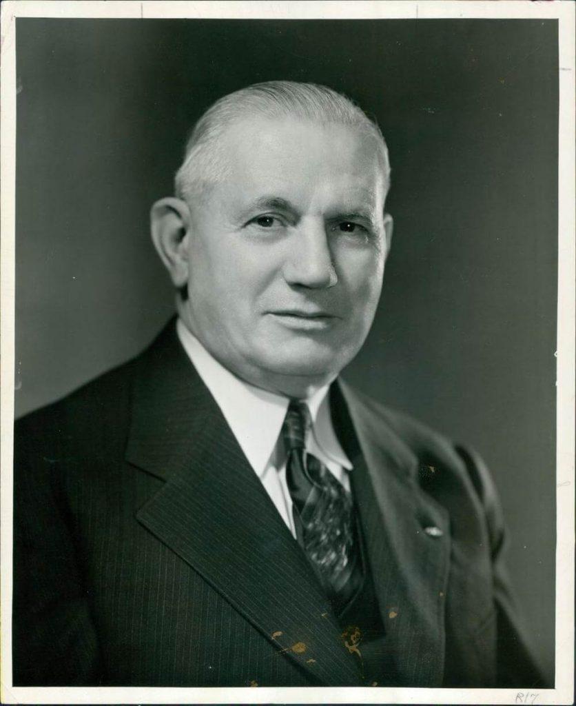 Джордж Джейкоб (7 июня 1877 - 10 марта 1951) был основателем State Farm со штаб-квартирой в Блумингтоне, штат Иллинойс.