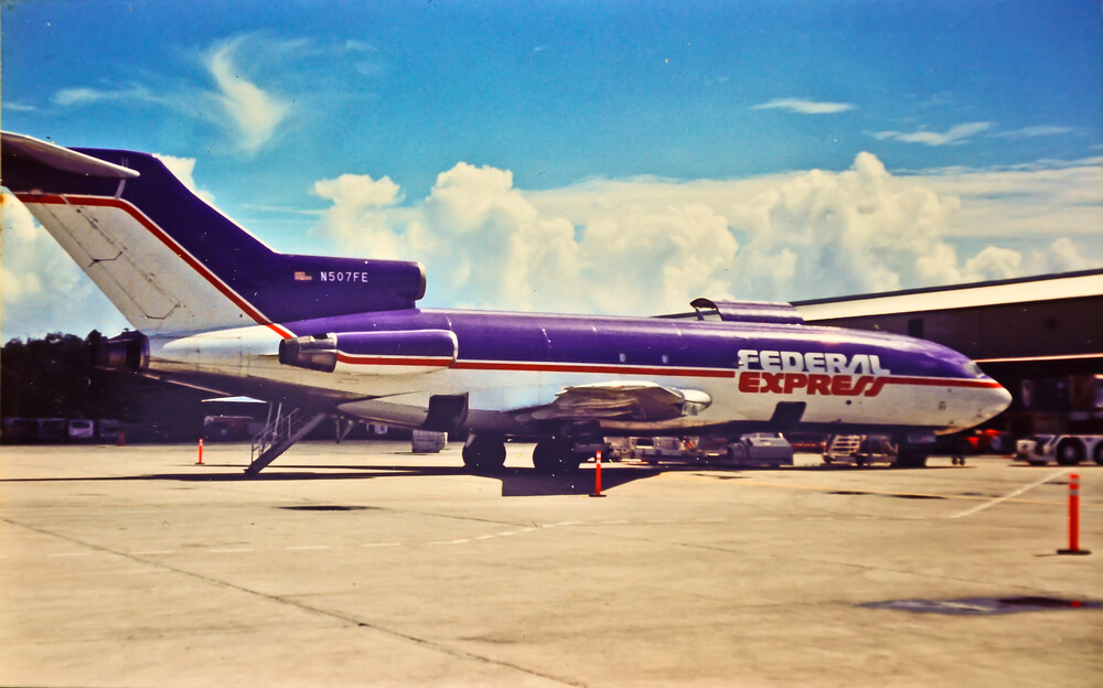 Federal Express Boeing 727-25